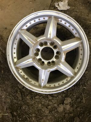 """Bought at Les Schwab. Universal wheel. 17"""" for Sale in Powell Butte, OR"""