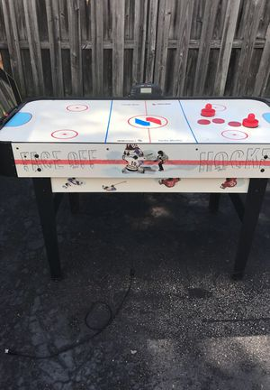 Plug in air hockey table for Sale in McKees Rocks, PA