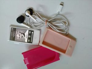 IPod Nano 7th Gen w case and headphones for Sale in South Salt Lake, UT