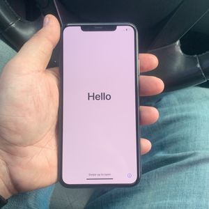 Iphone 11 Pro Max 256gb for Sale in Moreno Valley, CA