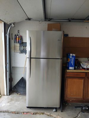 Frigidaire refrigerator for Sale in Westminster, CO