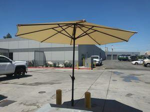 Patio umbrella for Sale in Fontana, CA