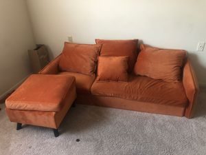 L-shaped couch for Sale in Martinsburg, WV