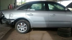 2005 Ford five hundred for parts for Sale in Phoenix, AZ