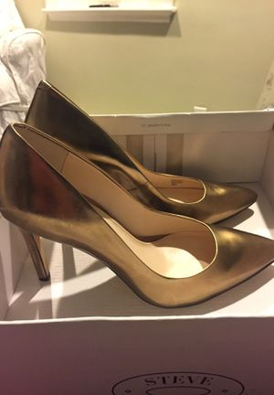 Gold Banana Republic Heels Size 9M for Sale in Newton, MA