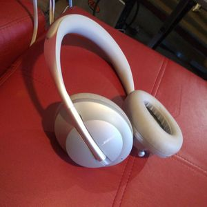Bose NC700 Noise Cancelling Ultra Premium Headphones for Sale in DeLand, FL