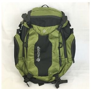 Gama 8.0 Internal Frame 39L Hiking Camping Backpack Olive Green for Sale in Sandy, UT