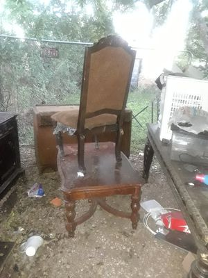 Large antique chair for Sale in Dallas, TX