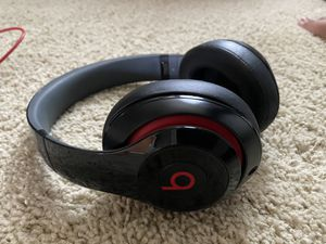 Beats Studio with new new ear pads for Sale in Issaquah, WA