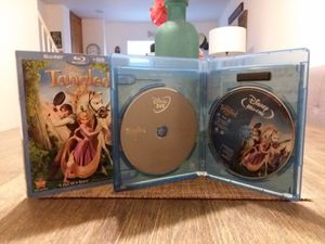TANGLED BLURAY + DVD WITH SLIP COVER. GREAT CONDITION. for Sale in West Covina, CA