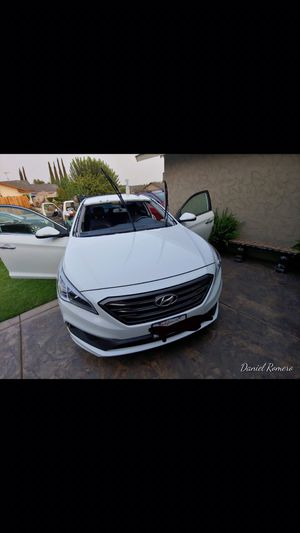 Replace windshields for any type of car for Sale in Selma, CA