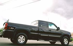 2003 CHEVY SILVERADO BLACK for Sale in Aurora, IL