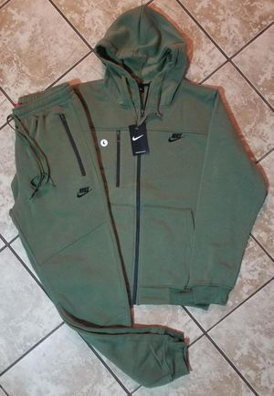 AUTHENTIC NIKE SUITS (S, L, 3X) for Sale in Bowie, MD