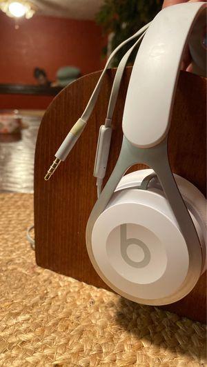 Beats by Dre White Beats for Sale in Turlock, CA