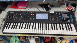 Yamaha MODX6 music synthesizer for Sale in Fort Lauderdale, FL