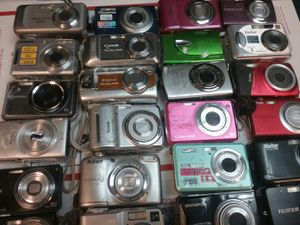 Bulk of 30 digital cameras , we ship for Sale in Indianapolis, IN