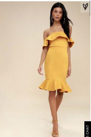 Lulus off the shoulder dress for Sale in Franklin Park, IL