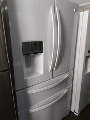 Like New Kenmore White 4 Door Refrigerator for Sale in Chino Hills, CA