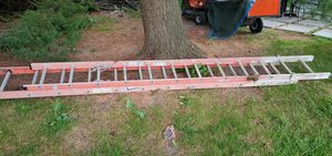 24 ft Warner extension ladder for Sale in Bingham Farms, MI
