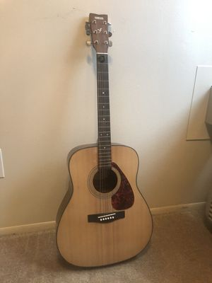 Yamaha acoustic guitar for Sale in Westland, MI