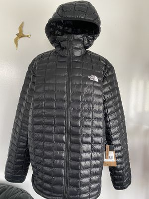 Brand new MEN'S THERMOBALL™ ECO HOODIE , size XL for Sale in Everett, WA