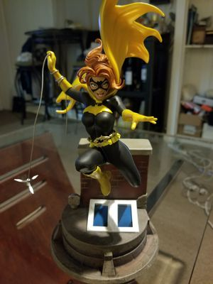 Batgirl Statue, Jim Lee by Chronicle Collectibles for Sale in Norwalk, CT