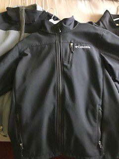 Nice Columbia vest jackets for Sale in Palo Alto, CA
