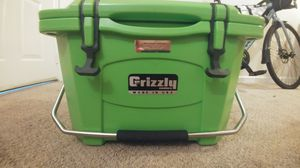 Grizzly 20 quart cooler for Sale in Winston-Salem, NC