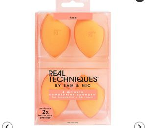 Beauty blender 4pack for Sale in Corona, CA