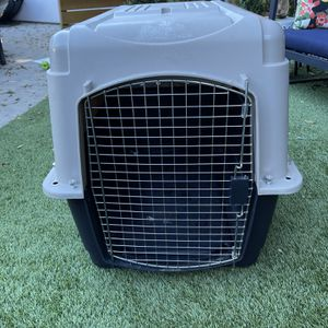 Petmate Vari-Kennel Ultra Crate for Sale in Los Angeles, CA