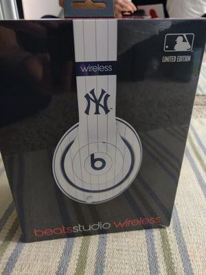 Beats Studio Wireless Limited Edition New York Yankees for Sale in Los Angeles, CA