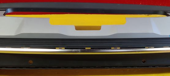 Audi Q7 Rear Bumper Lower Valance OEM 2020 2021 for Sale in Los Angeles,  CA
