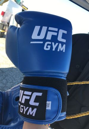 Fighting gloves for Sale in Los Angeles, CA