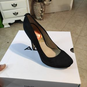 Michaels Kors Size 7 for Sale in San Antonio, TX