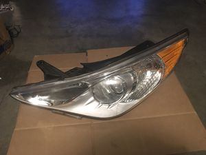 Hyundai Headlight Assembly for Sale in Kent, WA