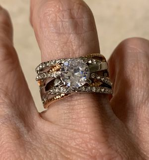 New CZ 2.5 kt two tone wedding ring size 9 for Sale in HOFFMAN EST, IL