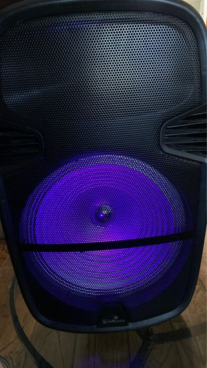 15 inch Bluetooth speaker rechargeable for Sale in Los Angeles, CA