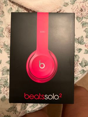 Beats solo 2, Wired for Sale in Brook Park, OH