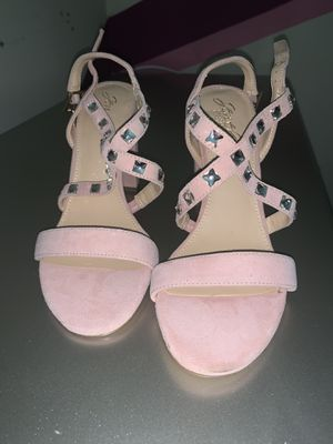 """Badgley mischka """"jewel"""" collection size 9 for Sale in Olney, MD"""