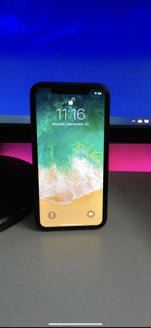 Unlocked Verizon 128 GB iPhone XR Product Red for Sale in Glendale, AZ
