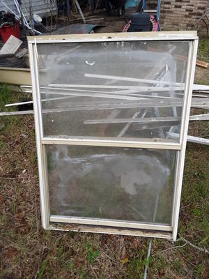 Windows 2. 5foot by 4foot. 1 4foot by 4foot for Sale in Gulfport, MS