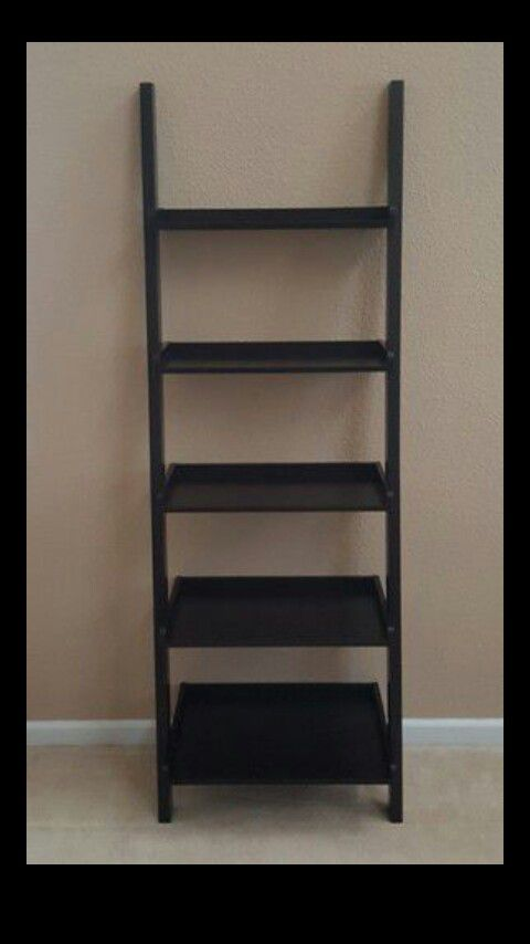 Ladder Shelfs set of 2 $50 stern!