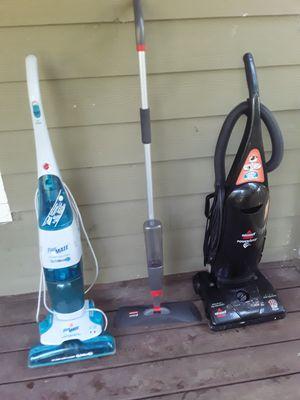 bissell vacuum +Hoover floormate hardwood +sweeper for Sale in College Park, GA