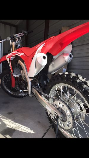 BRAND NEW 2018 Honda CRF-450R DirtBike for Sale in VLG OF 4 SSNS, MO
