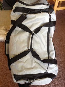 Large BellaRusso Backpack / Duffle Bag / Dolly / with wheels for Sale in Vista,  CA
