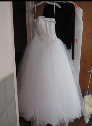 Size 4 wedding dress for Sale in Largo, FL