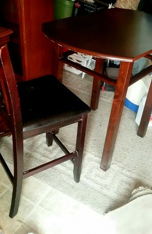 Table with 2 chairs that is bar height for Sale in Charlotte Court House, VA