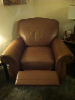 Brown leather recliner for Sale in Pittsburgh, PA