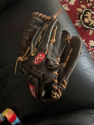 Rawlings glove for Sale in Silver Spring, MD