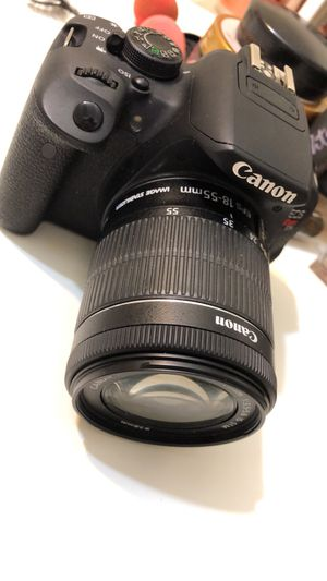 Canon EOS Rebel T5i for Sale in Cleveland, OH